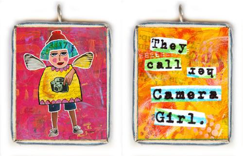 Camera-girl-text-solder