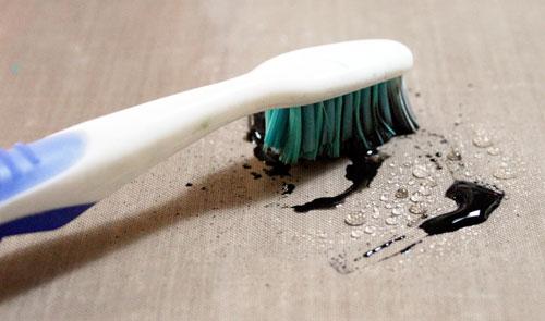 Toothbrushinpaint